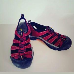 Keen Newport H2 Red Waterproof Sandals Size 8